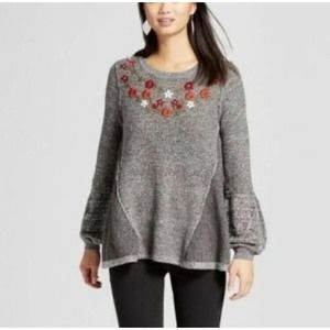 Knox Rose Sweaters - Knox Rose Sharkbite Gray Crewneck Floral Sweater